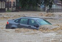 mobil bekas banjir