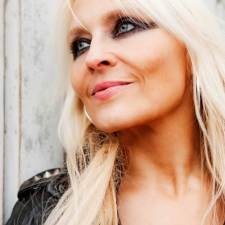 INTERVIEW: DORO PESCH