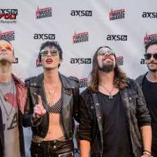2017 Loudwire Music Awards – Show Review – Red Carpet Photos