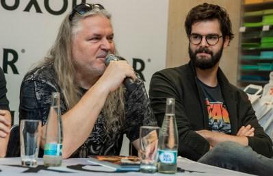 Arakain křtí komiksovou trilogii Metal: Temné noci a přebírá Zlatou desku, Jiří Urban