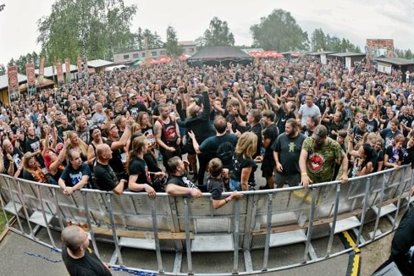 The Legends Rockfest fans