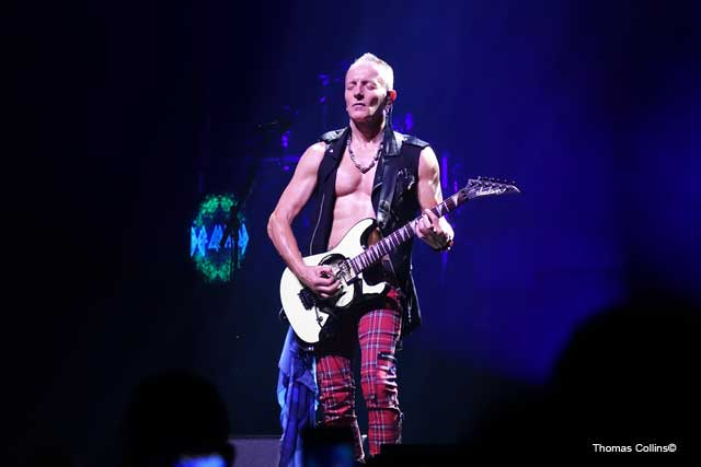 Phil Collen - Photo by Tom Collins - Rock Titan TV