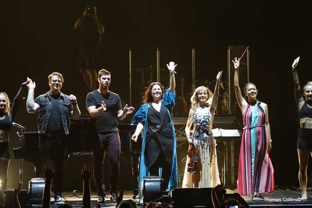 Evanescence and Lindsey Stirling - Photo by Tom Collins - Rock Titan TV
