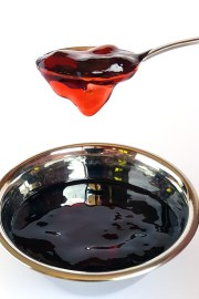 Redcurrant-Jelly-Action-5