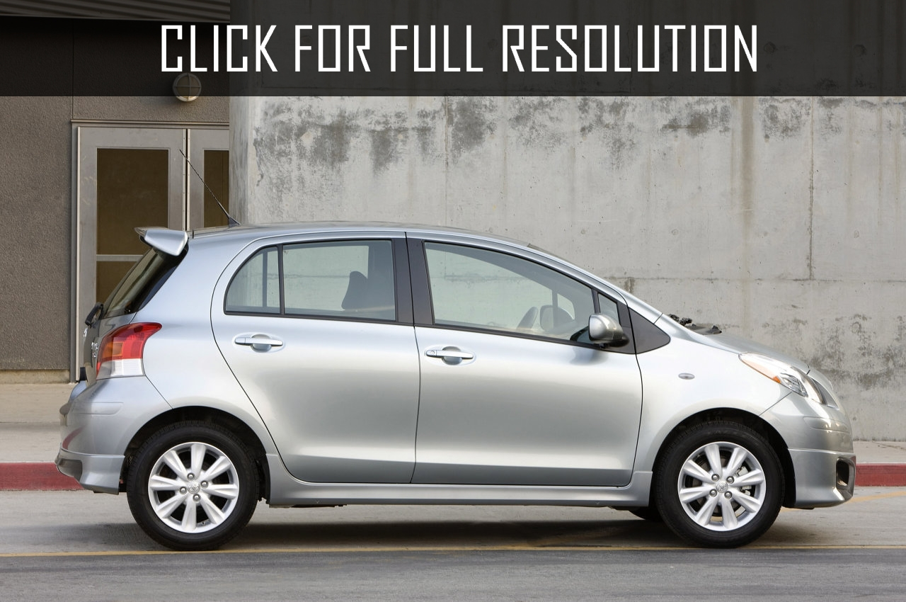 Le Meilleur Toyota Yaris 4 Door Reviews Prices Ratings With Ce Mois Ci