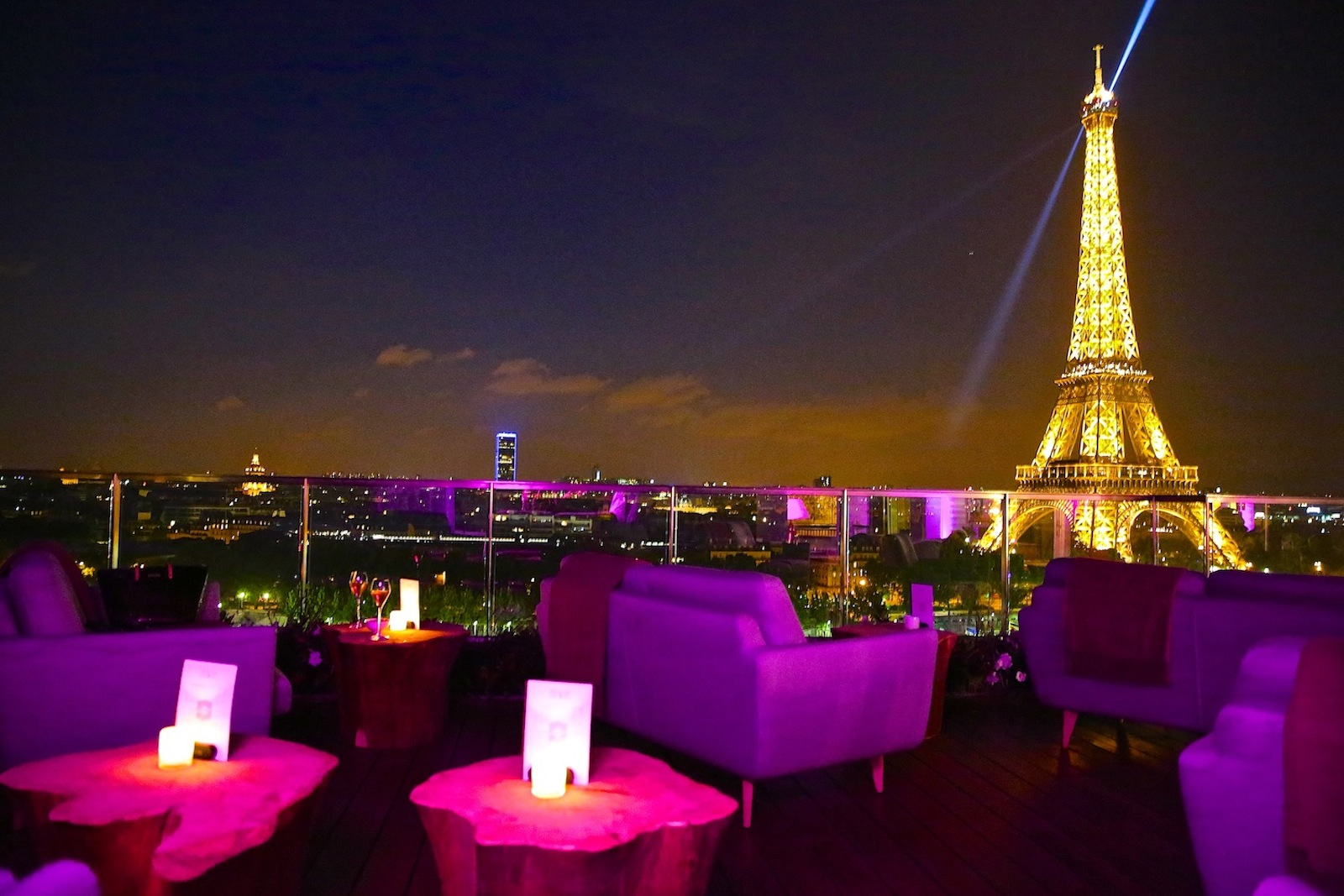 Le Meilleur The 15 Most Romantic Spots For Happy Hour With A View Ce Mois Ci Original 1024 x 768