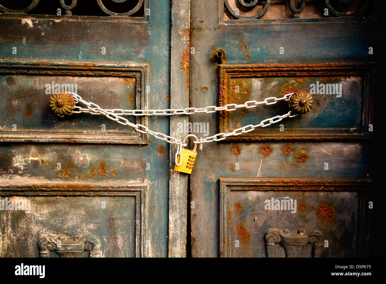Le Meilleur The Locked Door Brand Discounts Ce Mois Ci