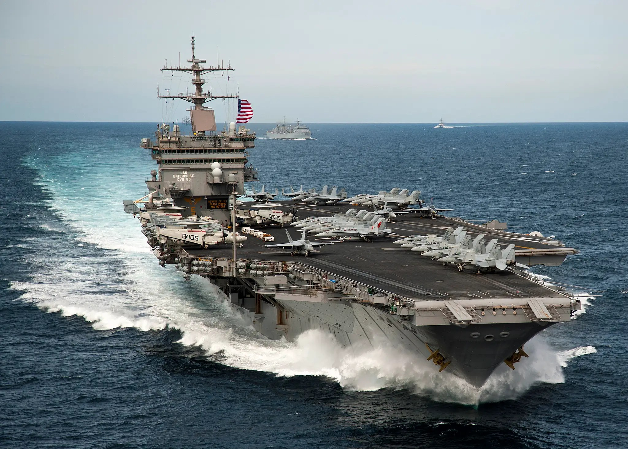 Le Meilleur Every Helicopter And Plane Aboard A Us Aircraft Carrier Ce Mois Ci
