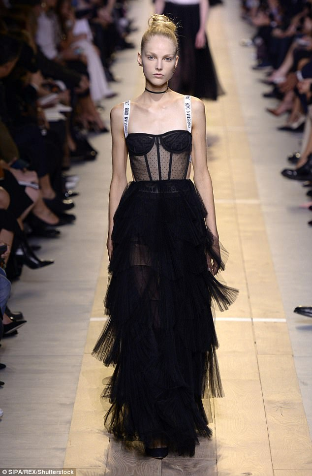 Le Meilleur See Through Dior Dress Is Sweeping The Red Carpet Daily Ce Mois Ci