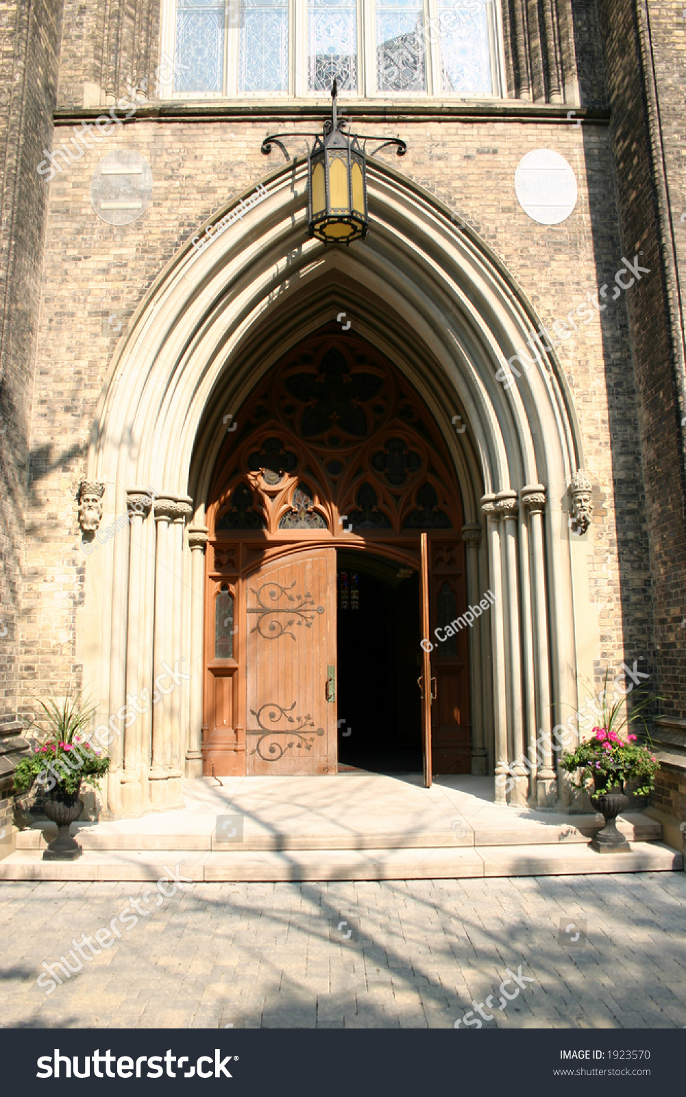 Le Meilleur Church Door Open Stock Photo 1923570 Shutterstock Ce Mois Ci