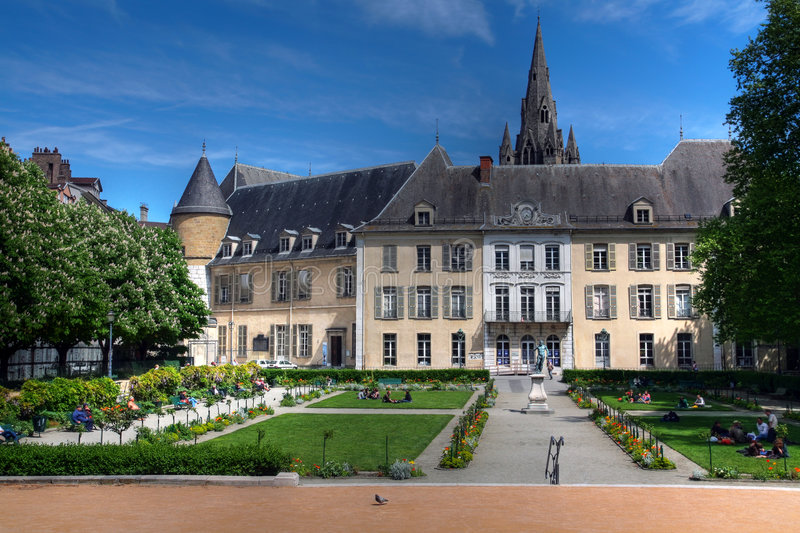 Le Meilleur Public Gardens And Old Town Hall Grenoble France Stock Ce Mois Ci