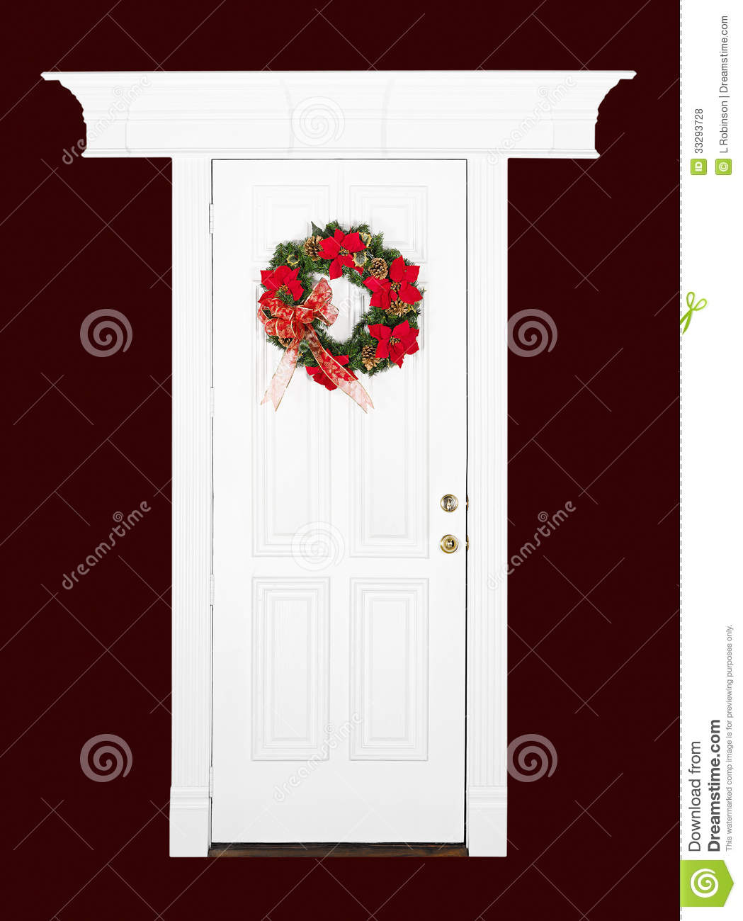 Le Meilleur Christmas Flower Wreath On White Door Stock Photo Image Ce Mois Ci