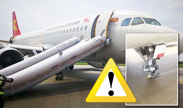 Le Meilleur Flights Plane In China Makes Dramatic Emergency Landing Ce Mois Ci
