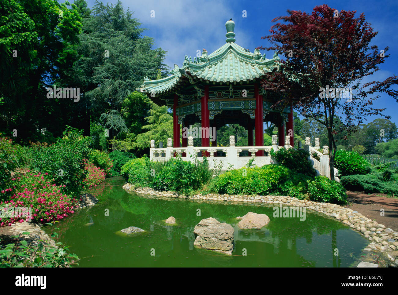 Le Meilleur Chinese Pavilion By A Pond In The Golden Gate Park In San Ce Mois Ci