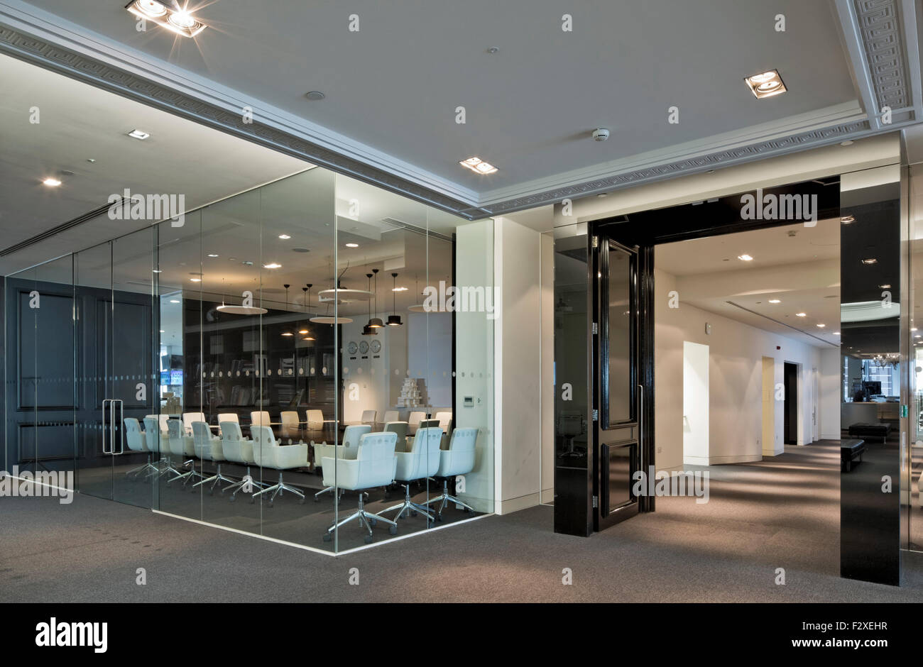 Le Meilleur Mr Porter Boardroom Net A Porter Offices At The Westfield Ce Mois Ci