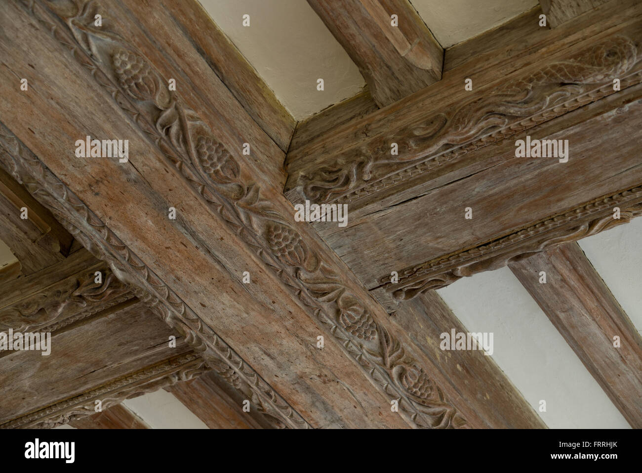 Le Meilleur Decorated Wooden Roof Or Ceiling Beams Oak Beams Carved Ce Mois Ci