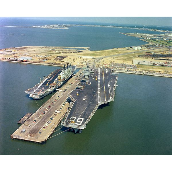 Le Meilleur First Jet Aircraft To Take Off From A Us Navy Aircraft Carrier Ce Mois Ci