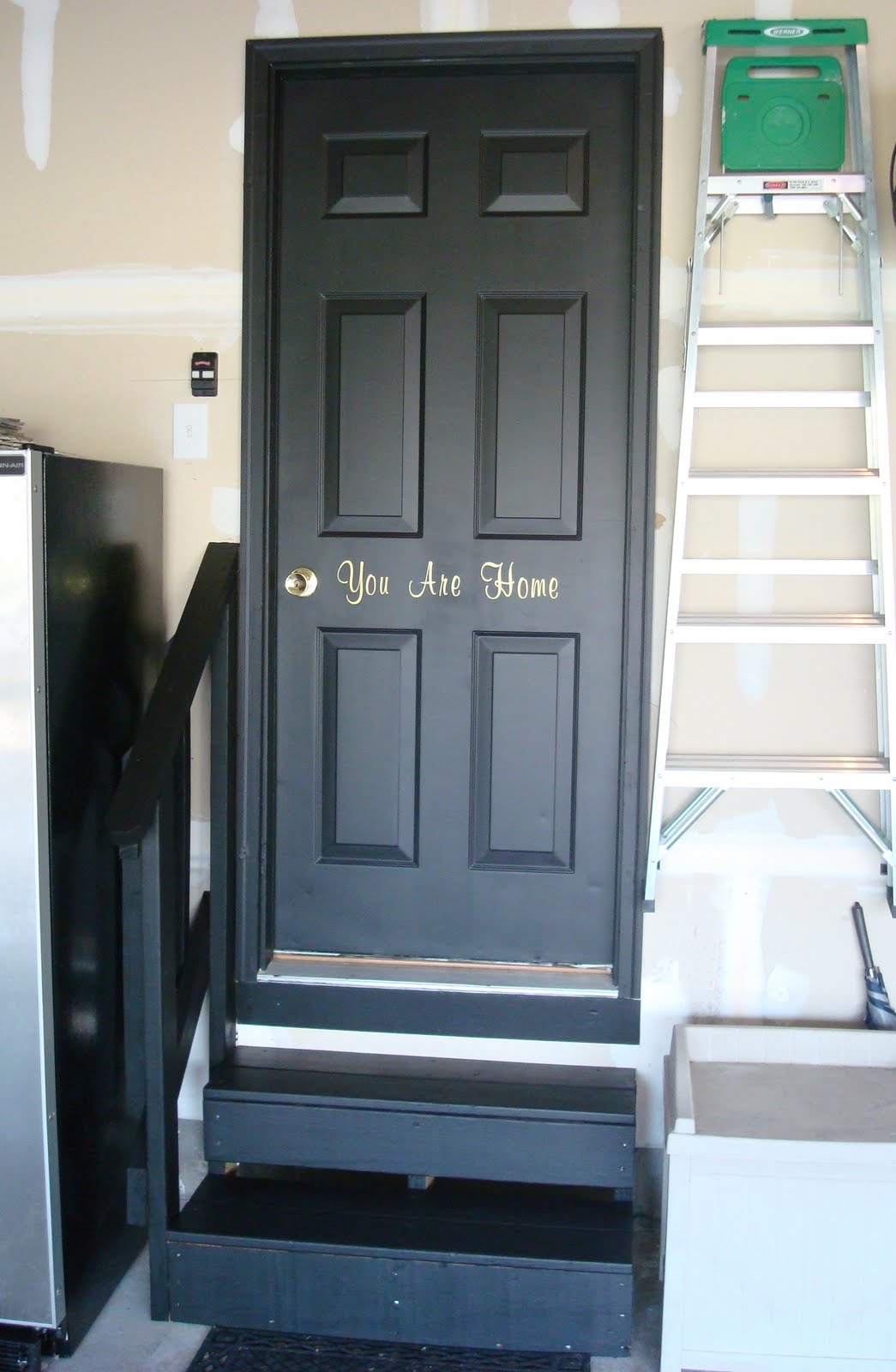 Le Meilleur Black Interior Doors In The Basement From Thrifty Decor Ce Mois Ci