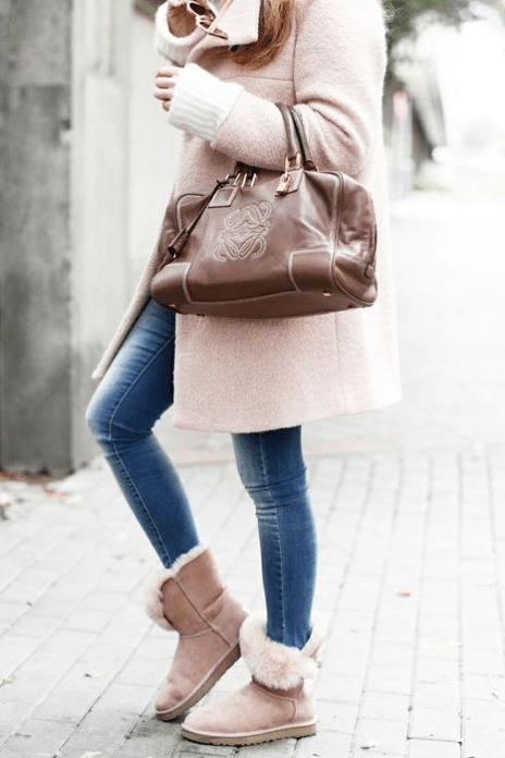 Le Meilleur How To Wear Ugg Boots In Public — The Style Formula Ce Mois Ci
