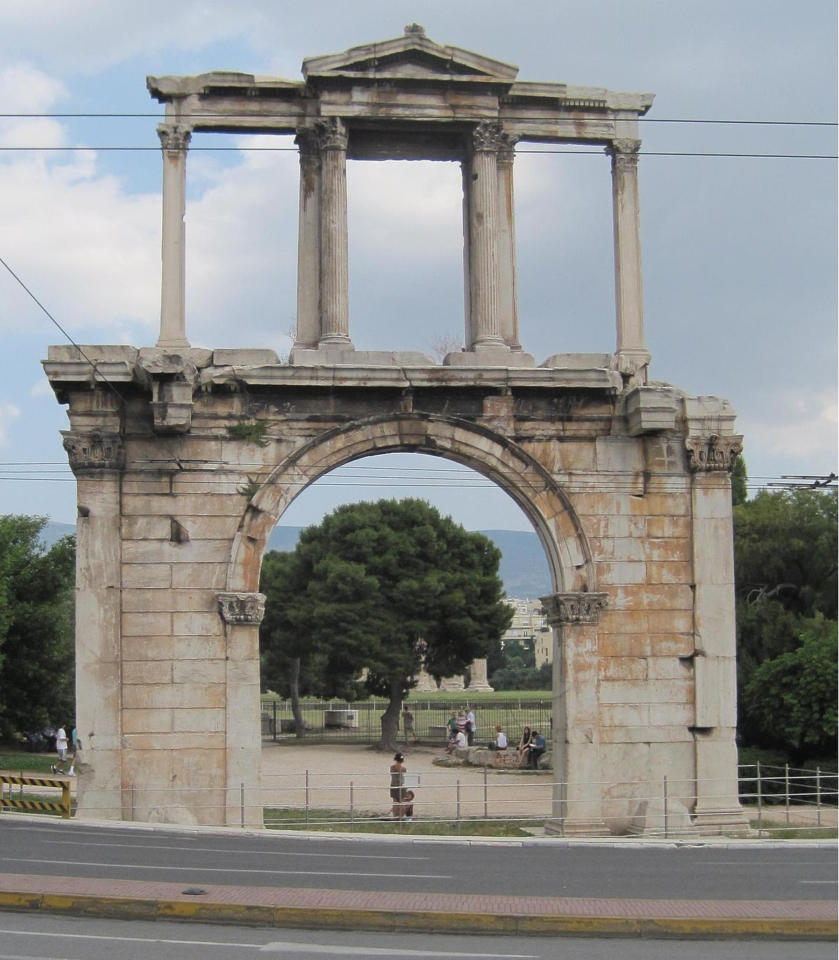Le Meilleur Arch Of Hadrian Athens Wikipedia Ce Mois Ci