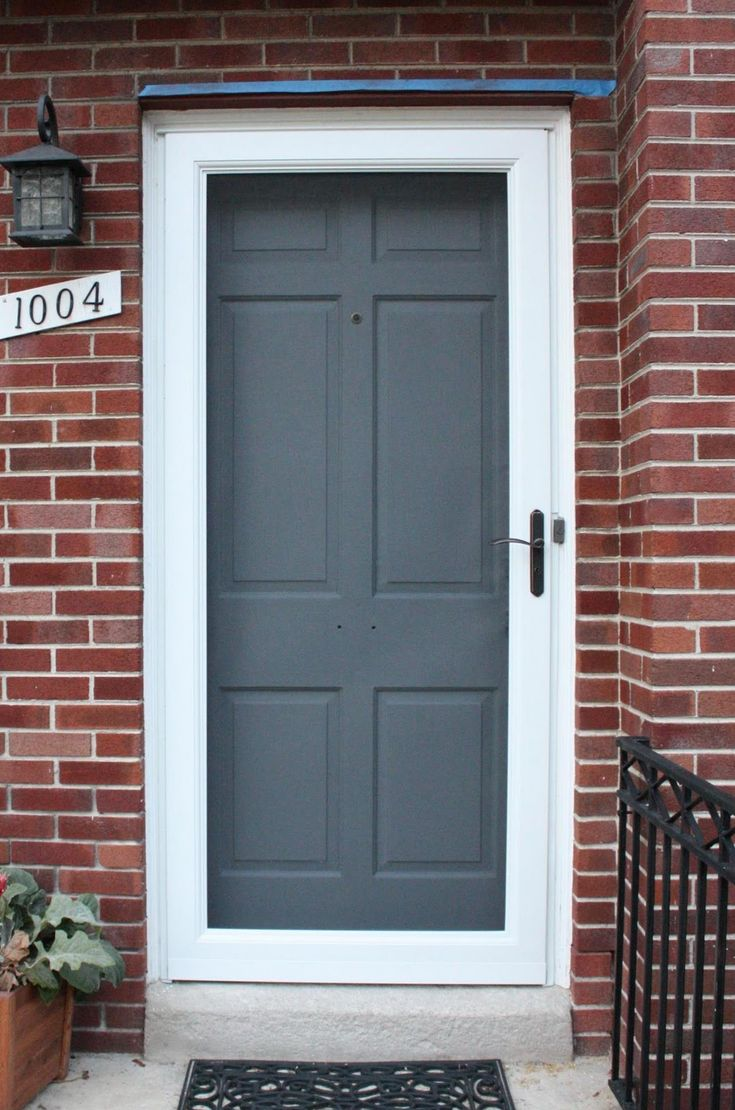 Le Meilleur Grey Front Door Colors White Frame Country Home With Brick Ce Mois Ci