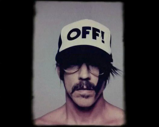 anthony-kiedis-off-baseball-cap-red-hot-chili-peppers-stephane-sednaoui-photo-shoot-im-with-you-rhcp-2011-u1
