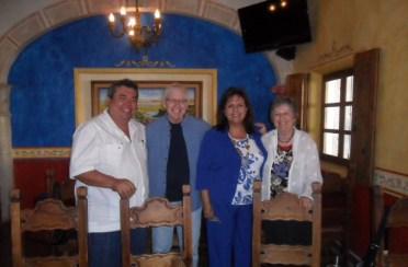 Alcalde-GFZ-con-los-Clifton-620x406 DIF receives generous donation from Cliftons