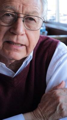 Por-Socorro-González-Barahas.-Hermosillo-9-de-febrero-2014-10-copia-630x1120 Guillermo Munro Palacio publica su novela Hombres Valientes