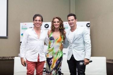 """derodillas2-630x420 Mariana Seoane y Julio Camejo visitaron Puerto Peñasco para la presentación del video musical """"De Rodillas te Pido"""""""