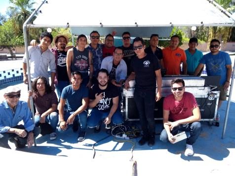 Musicos-y-sonido-concierto-FuerzaMexico El improvisado festival #FuerzaMéxico