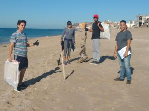 playas-sept30c Busy Beach Clean Up Sept. 30th!