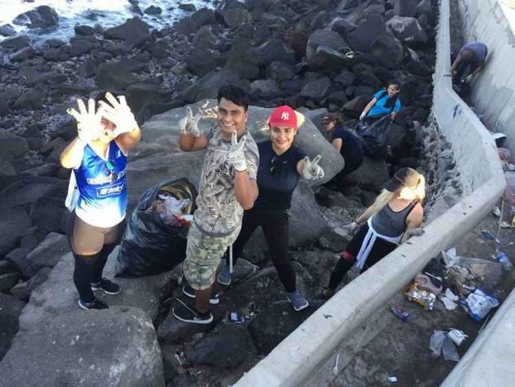 """clean-waves1 """"Clean Waves-Zero Waste"""" Doing their part for beach clean-up"""