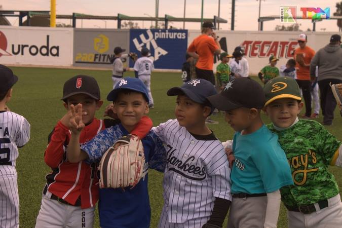 Youth Baseball Clinic – México en las Grandes Ligas @ Estadio Francisco Leon Garcia