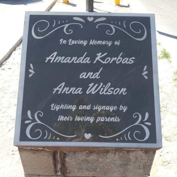 memorial-plaque-traffic Pura Vida - Treasure Hunt