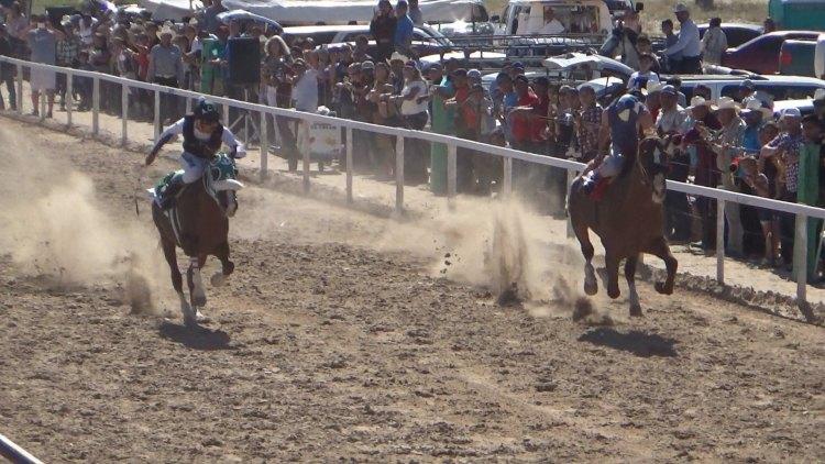 Horse-Race-July-19 Carreras de Caballo Photofinish
