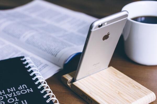 本とiPhone