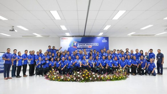 Peserta dan panitia National Shop Manager Competition