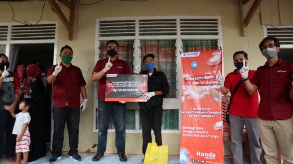 Astra Motor Makassar Salurkan 150 Paket Sembako