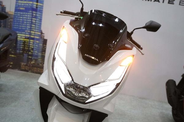Pilihan Warna Honda PCX160