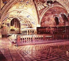 Assisi 09 (benedenkerk van de basiliek)