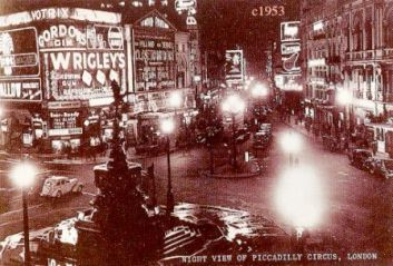 Piccadilly Circus 10