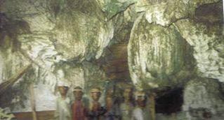 Tana Toraja 12 (grotgraven)