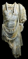 Torso van de staande boddhisatva - Pakistan - 120 n.C.