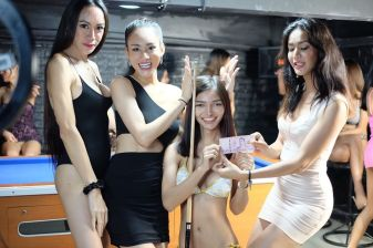 check_in_bar_bangkok_1-___CF840TBng16___-