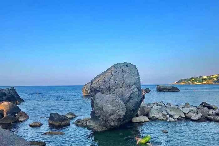 Фото пляжа Нарышкинские камни Симеиз2