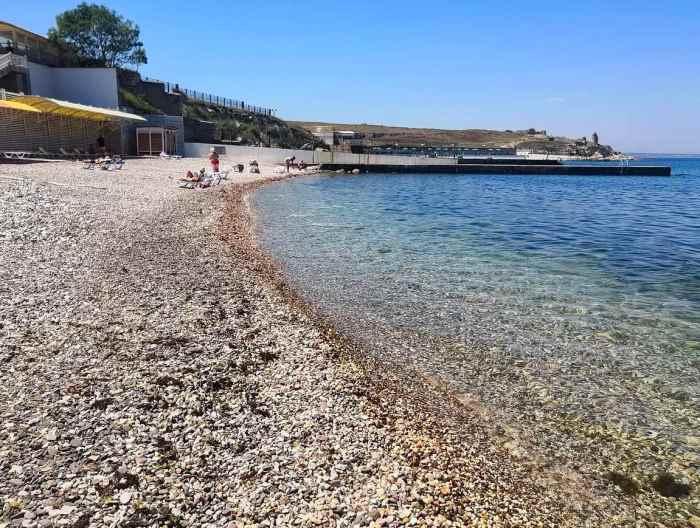 Фото пляжа у пристани Ялта2