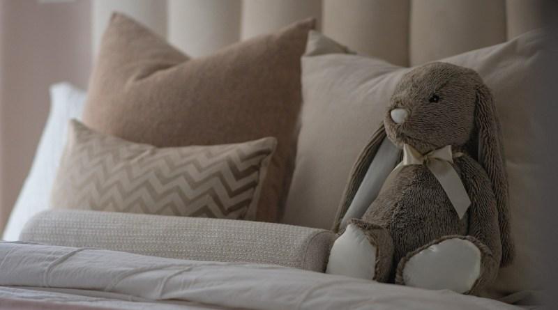 Bedroom Bed Stuffed Toy Plush Toy  - michasekdzi / Pixabay