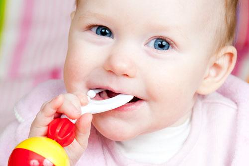 Проблема режущихся зубов у детей