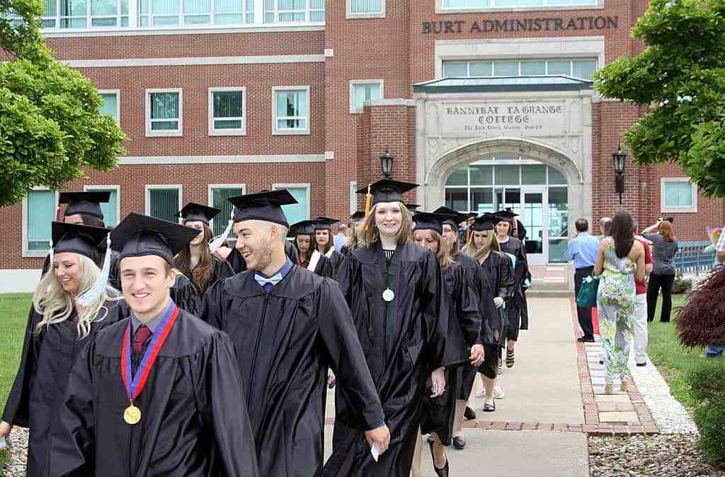 Hannibal LaGrange University Celebrates Commencement
