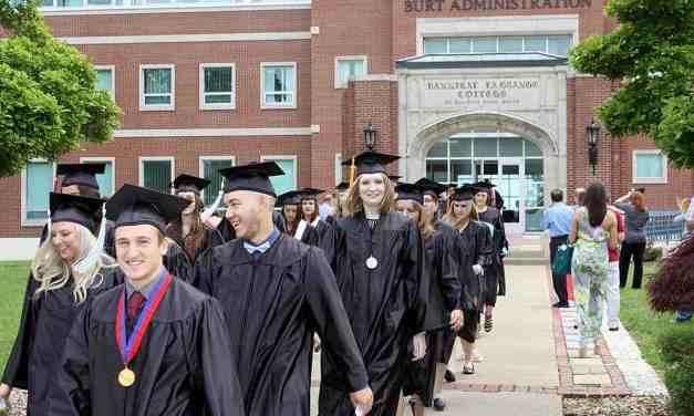 Hannibal LaGrange University Celebrates Commencement